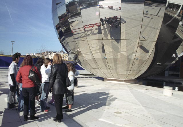 bristol UK Britain england south west pictures city photograph architecture buildings Europe young youth exchange visit holiday knowle west media project escola de bagium portuguese The Imaginarium is a huge chrome-plated sphere in Millennium Square. It is part of the At-Bristol Science Education Centre and is a 100-seat planetarium.